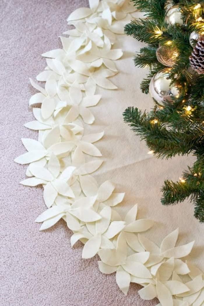 Live Love DIY Tree Skirt Sewing Tutorial