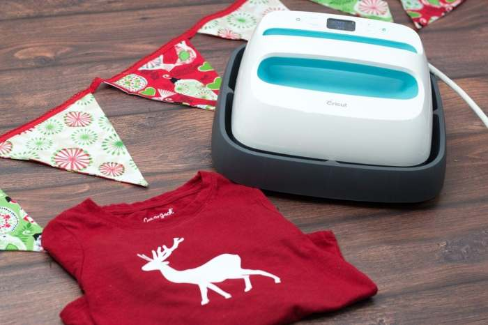 Christmas Family PJ's DIY Heat Transfer Tutorial Cricut