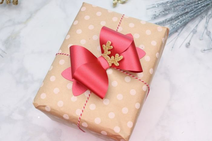 Download this Free Bow SVG File to Decorate Christmas Presents.