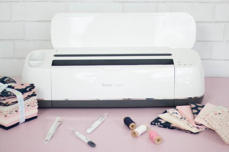 Cricut Maker How to Sew With Fabric Oven Mitt Pattern