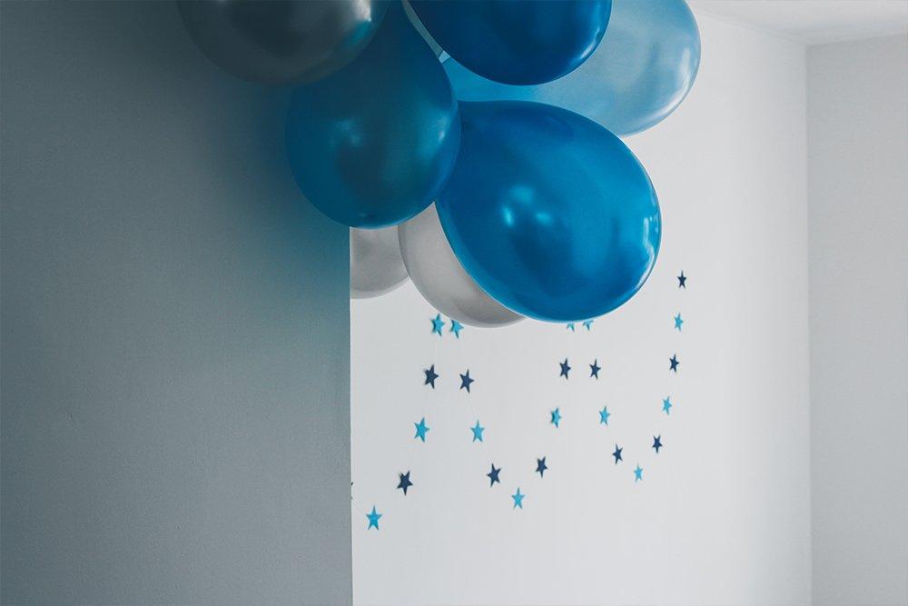 Eid-Balloons-on-wall.jpg