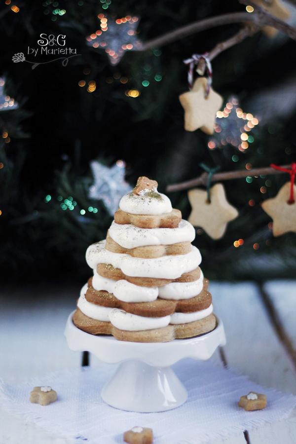 ARbol de Navidad,Arbol de Navidad con jengibre, galletas de jengibre, galletas de Navidad, Recetas Navideñas, arbol de navidad comestible, crema Chantilly, nata montada, Navidad, Papa Noel, recetas para Navidad, galletas de Mantequilla, galletas para decorar