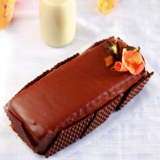 , Pastel chocolate, chocolate con leche, Nestlé, Chocolate con leche nestlé, Pound Cake Halloween, Chocolate Nestlé, Nestlé, chocolate intenso, bizcocho chocolate, recetas halloween, dulces Halloween, sweets and gifts, marietta, blogueras murcianas