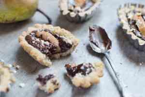 Chocolate Pear Tart Gluten Dairy Egg free - Vegan - Crostatine cioccolato senza glutine