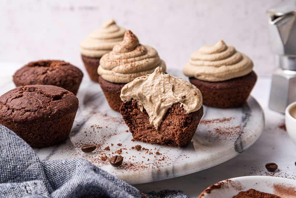 cupcake al cioccolato morbidissimi con frosting al caffé