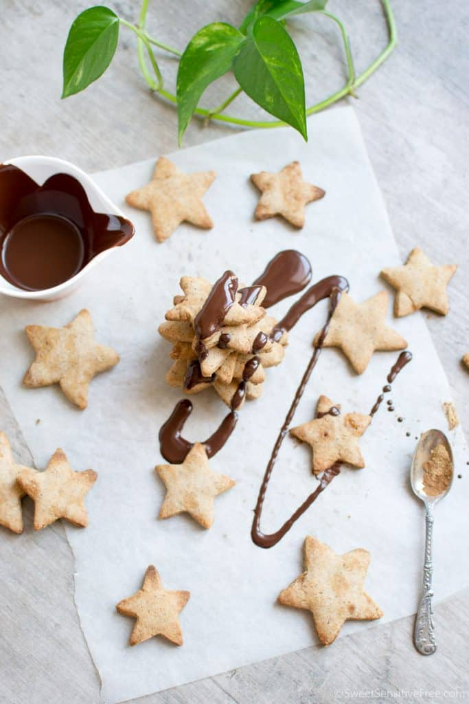 Easy to make gluten free, vegan gingerbread cookies for Christmas