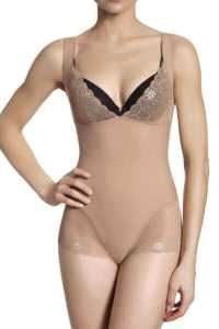 Simone Pérèle Top Model Shapewear, a body shaper that reduces cellulite visibility. Shapewear with caffeine, Aloe Vera, retinol, Vitamin E, ceramides