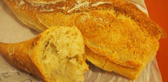 ポールボキューズ市場にあるパン屋さん*Le Boulanger de l'île Barbe