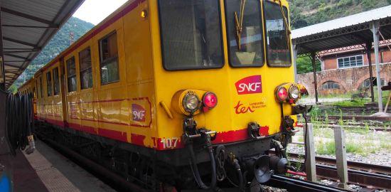 黄色の電車に乗る*南仏ランドック・ルシヨン