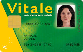 フランスの健康保険には無料で加入できるってホント?|Carte Vitale