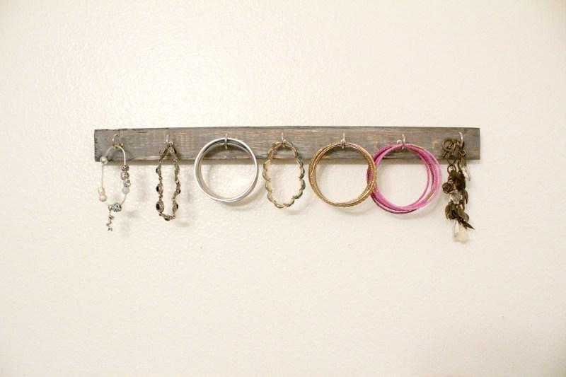 diy hanging jewelry holders