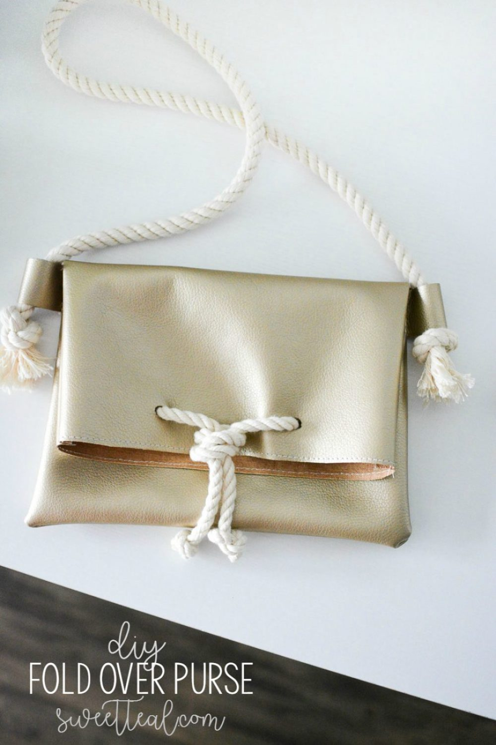 DIY Fold Over Purse Tutorial from Sweet Teal