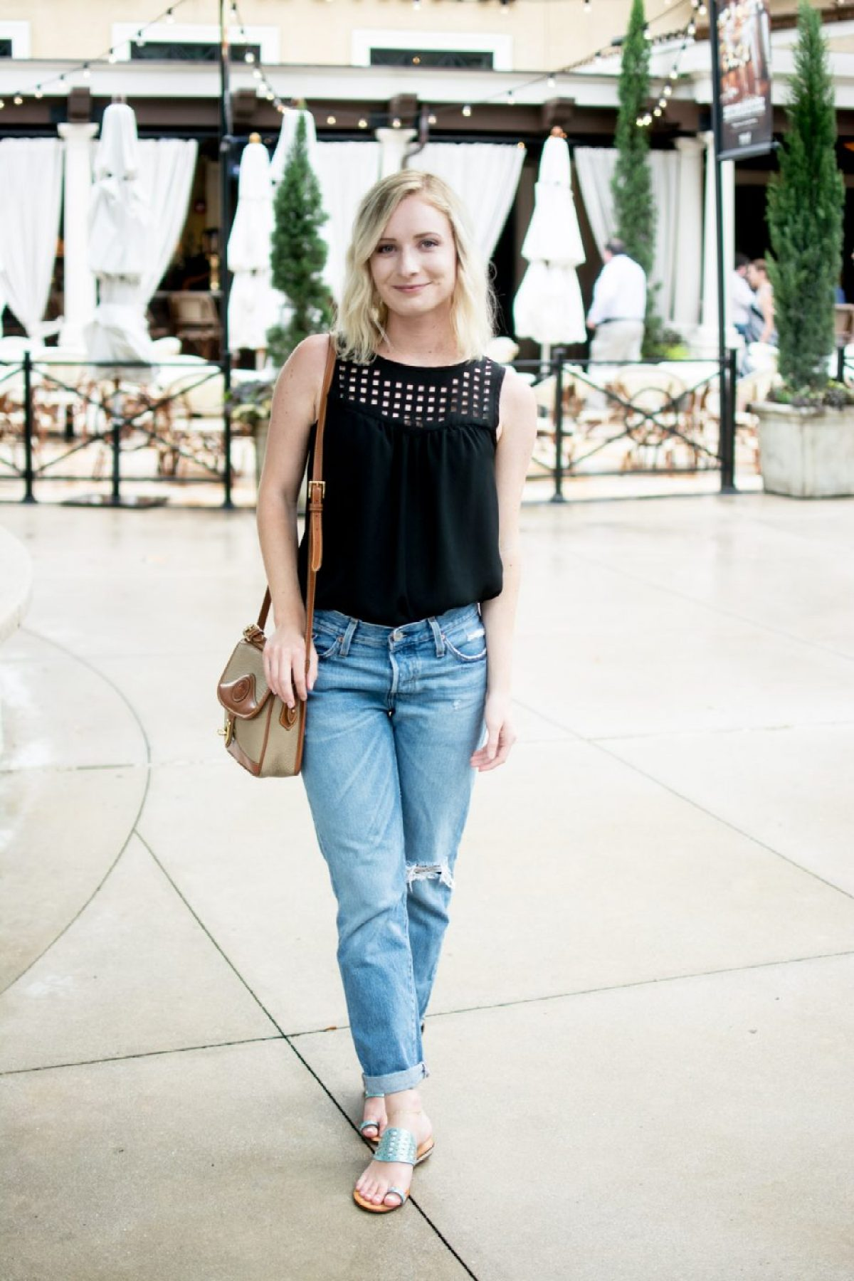 Jenny of Sweet Teal wearing Levi's to dinner at BRAVO