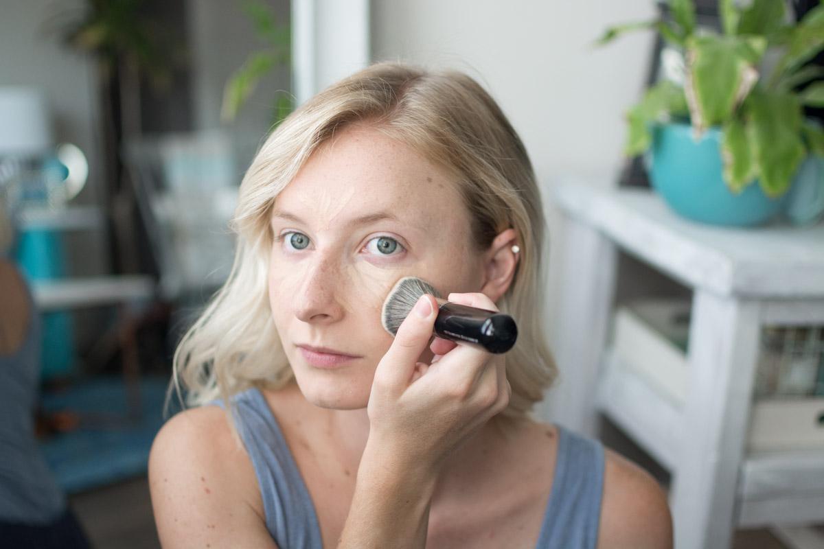 Neutrogena Back To School Makeup Tutorial - Blending Concealer - Sweet Teal