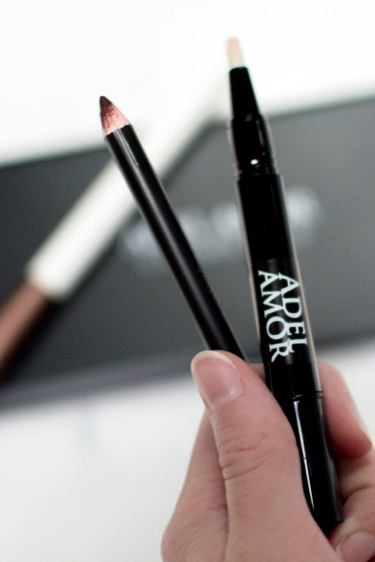 Adel Amor Highlight Pen & Deep Red Lip Pencil The Ivory Closet - Sweet Teal