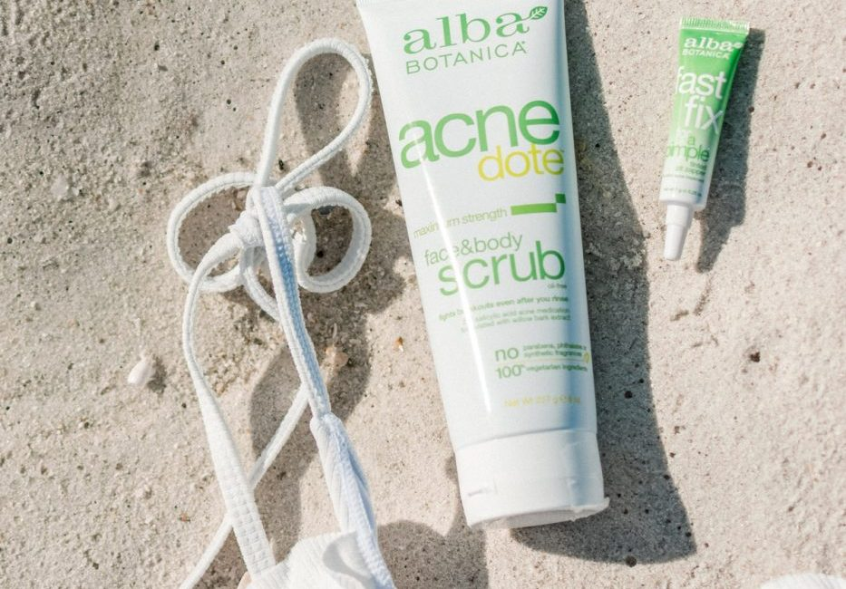 Acnedote Scrub and Fast Fix For a Pimple Alba Botanica