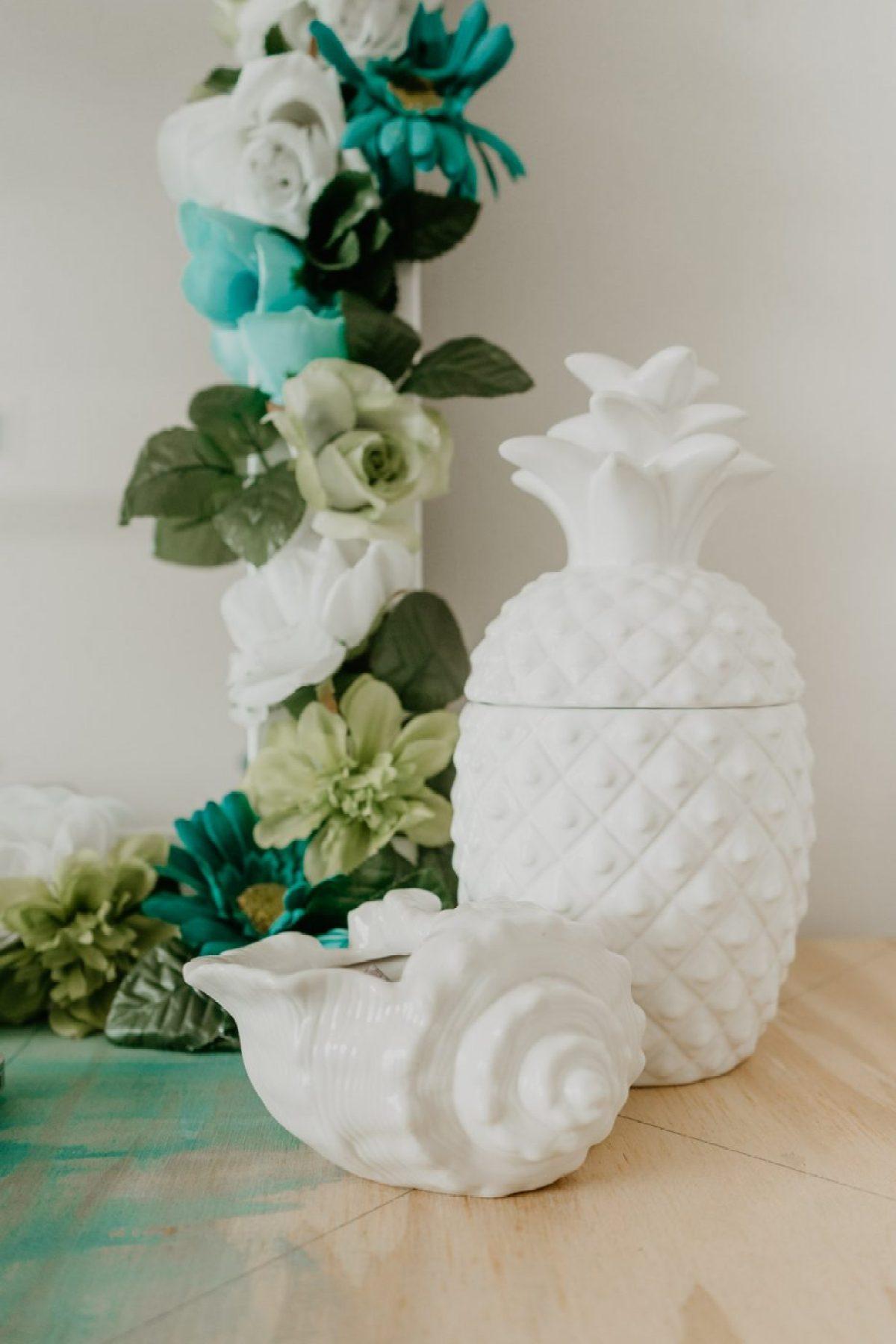 Details of DIY Flower Mirror - Sweet Teal