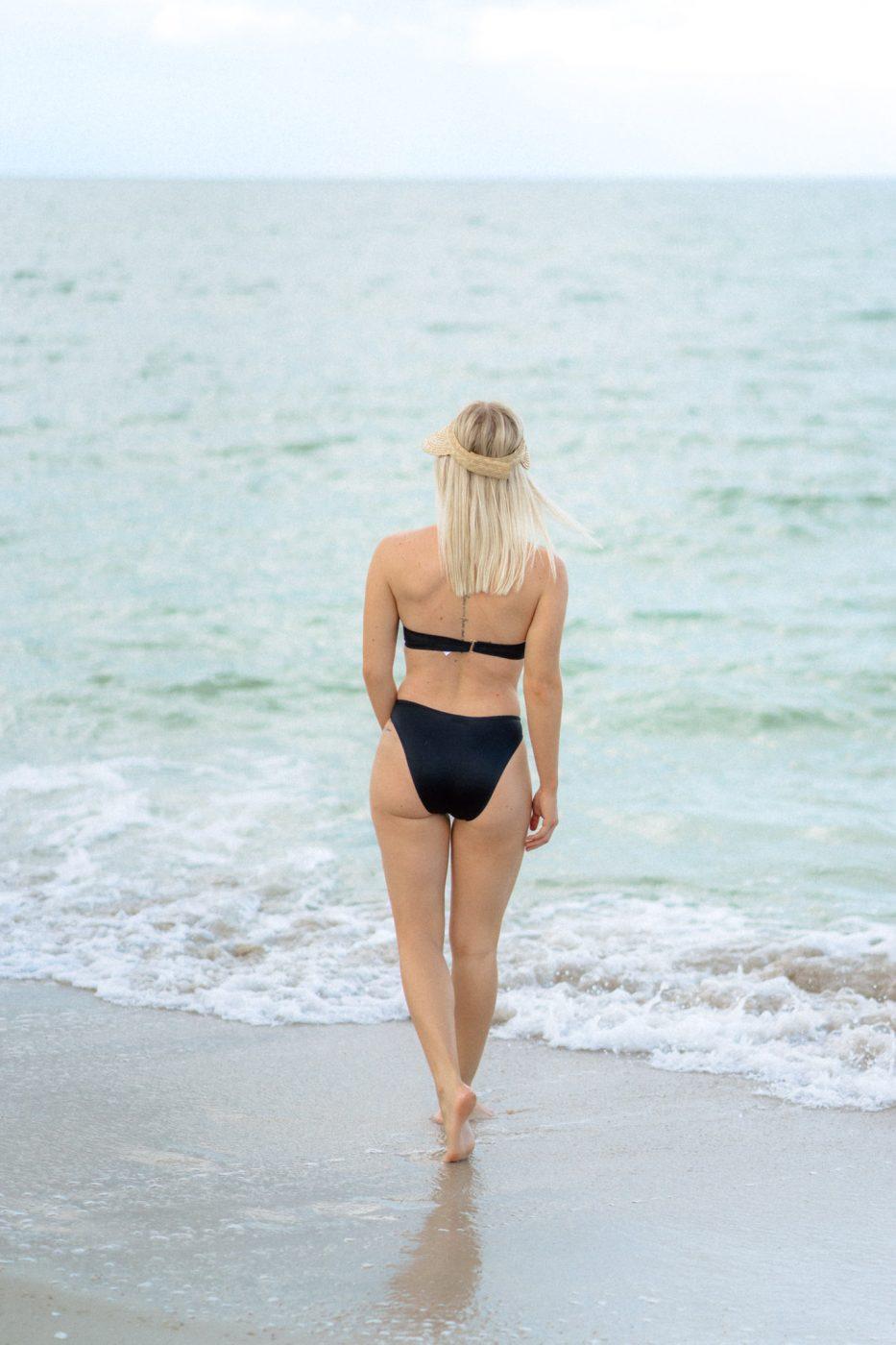 Jenny wearing Upbra push up swimsuit in black