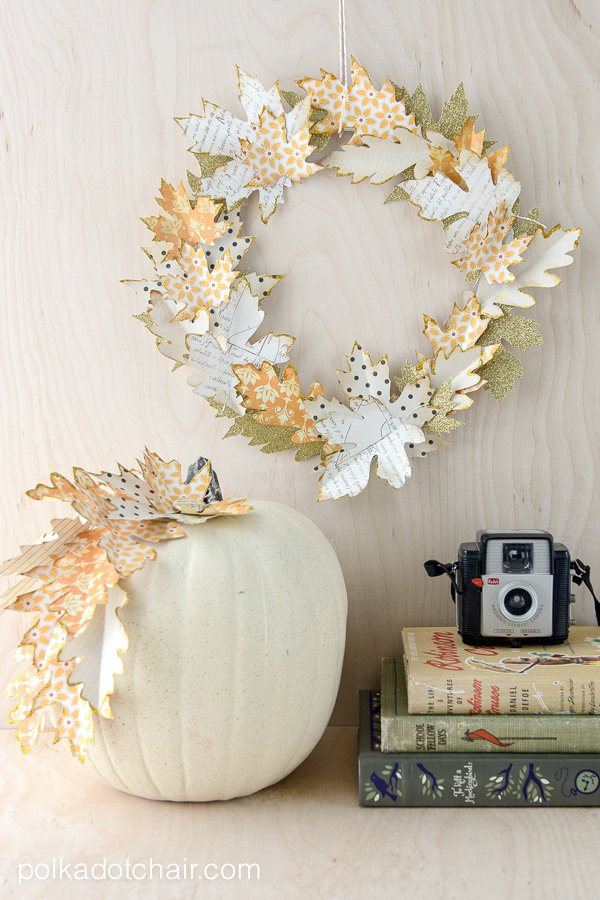 Autumn paper leaf wreath tutorial
