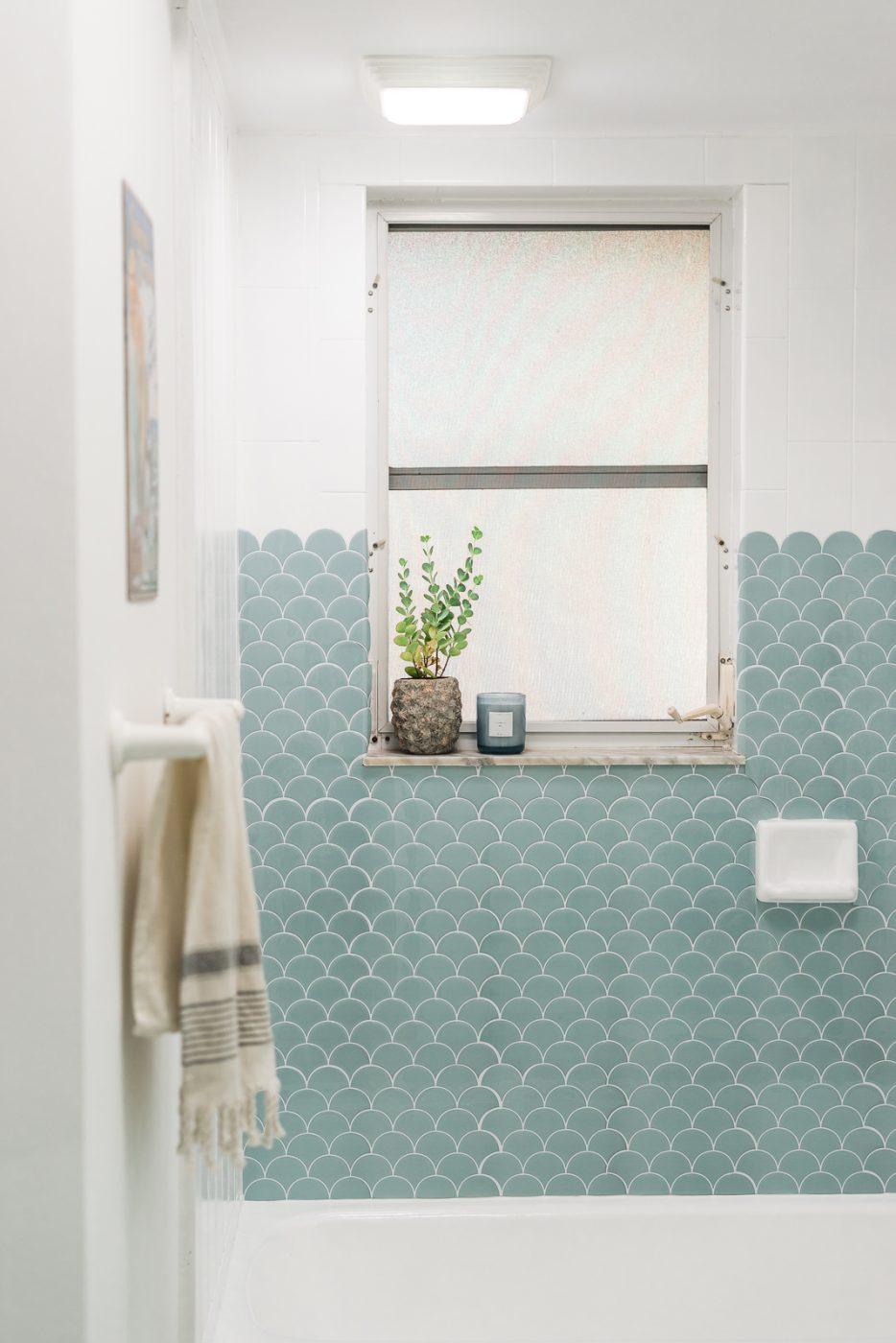 Diy Bathroom Remodel Under 500 Coastal Bathroom Decor Sweet Teal