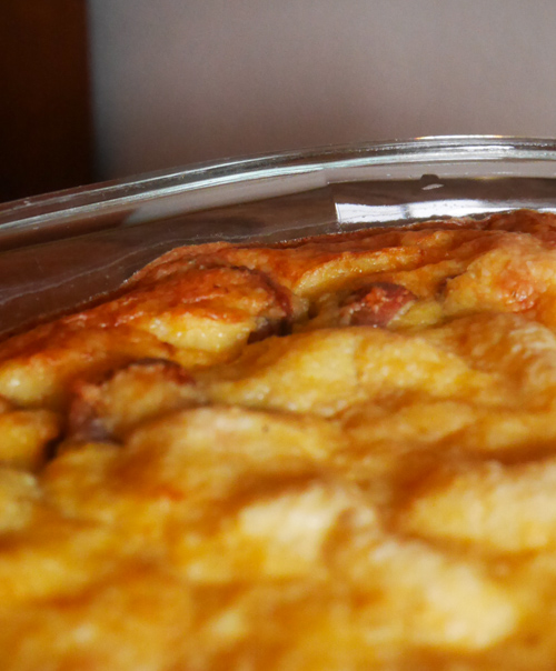 Cheesy Grits and Sausage Quiche   www.sweetteasweetie.com