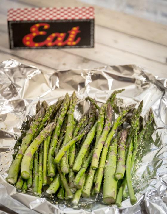 Grilled Lemon Asparagus | www.sweetteasweetie.com