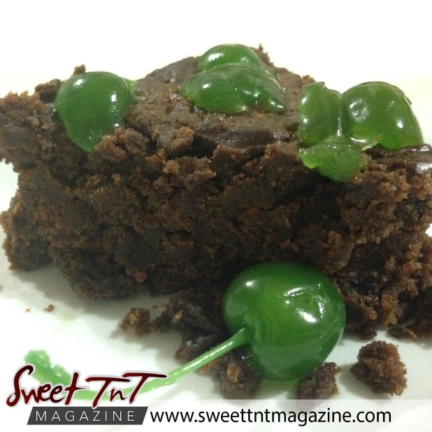 Christmas with Marina, Black cake(Christmas fruit cake) in sweet T&T for Sweet TnT Magazine, Culturama Publishing Company, for news in Trinidad, in Port of Spain, Trinidad and Tobago, with positive how to photography.