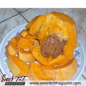 Mammy apple in sweet T&T for Sweet TnT Magazine, Culturama Publishing Company, for news in Trinidad, in Port of Spain, Trinidad and Tobago, with positive how to photography.