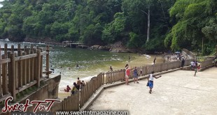 Macqueripe Bay, Beach, on the sand, Sweet T&T, Sweet TnT, Trinidad and Tobago, Trini, Travel, Vacation, Tourist, bathe, sunbathing, water, waves, seas, bathing suit, lime, vacation, family, outing, children, how to, women, men, children