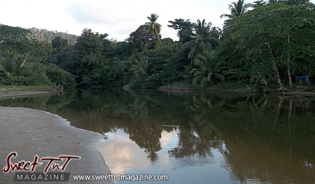 Las Cuevas Beach River in sweet T&T for Sweet TnT Magazine, Culturama Publishing Company, for news in Trinidad, in Port of Spain, Trinidad and Tobago, with positive how to photography.