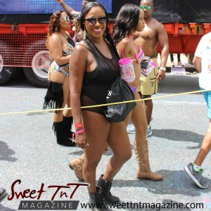 Trinidad and Tobago Carnival Masquerader Renesha Niles, Carnival 2017 in sweet T&T for Sweet TnT Magazine, Culturama Publishing Company, for news in Trinidad, in Port of Spain, Trinidad and Tobago, with positive how to photography.