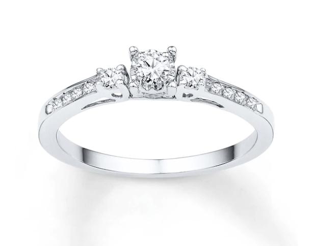 Three-Stone Promise Ring 1/6 ct