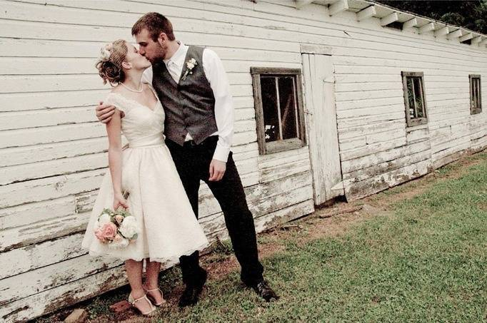 Vintage Country Chic Wedding By Melissa Perella Photography