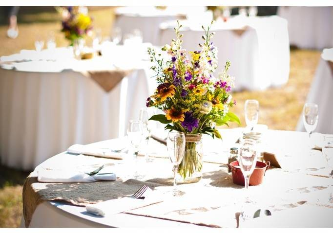 wildflower wedding centerpieces