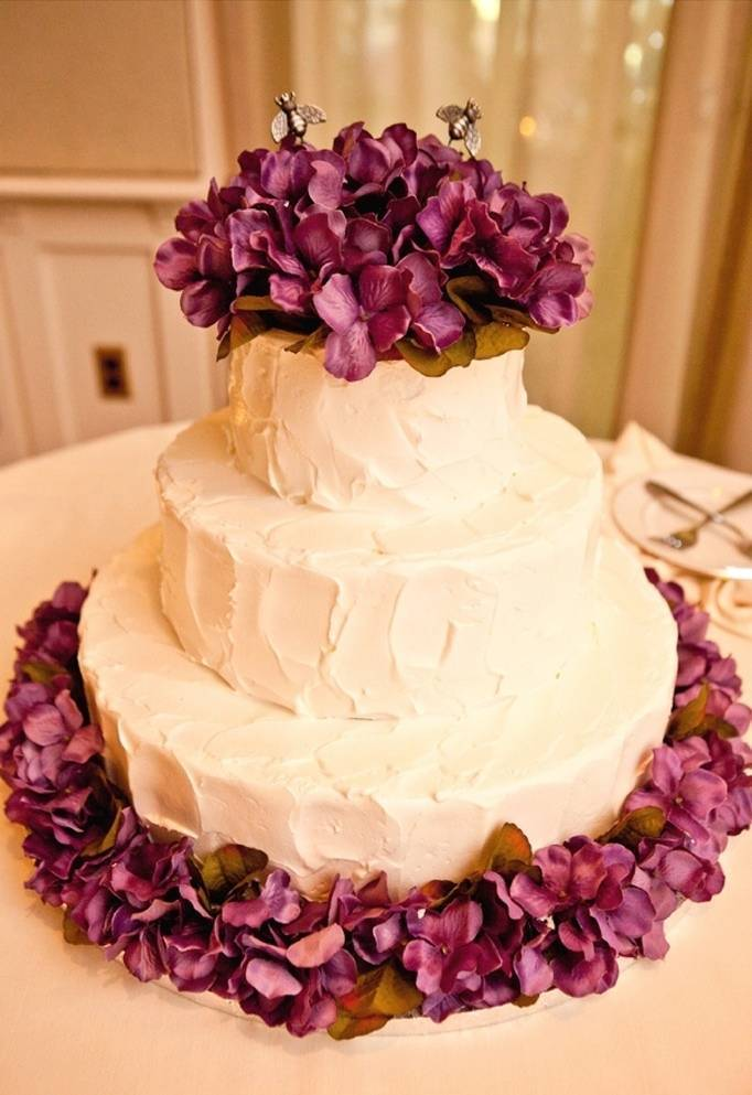 honey bee wedding cake