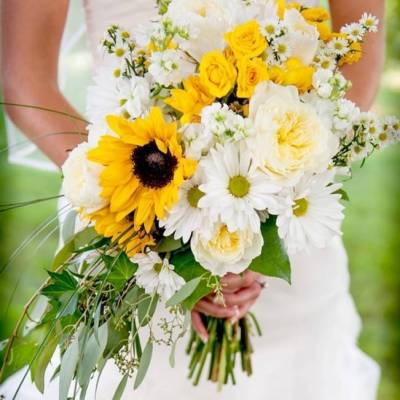 Country Chic Sunflower Wedding {from Casey Durgin Photography}