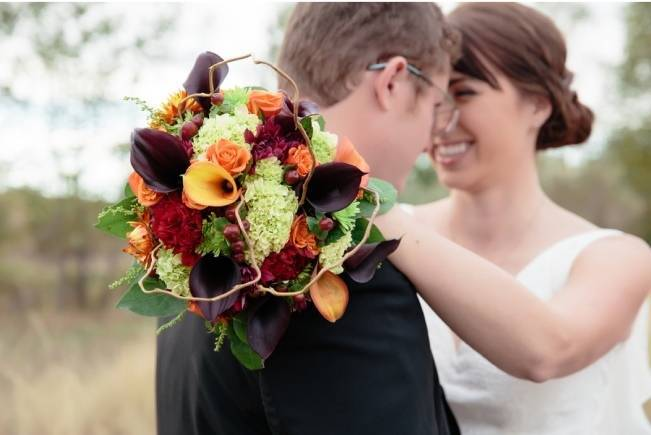orange burgundy green fall bouquet