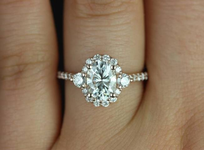 Beautiful Bachelorette-Inspired Oval Engagement Rings 7