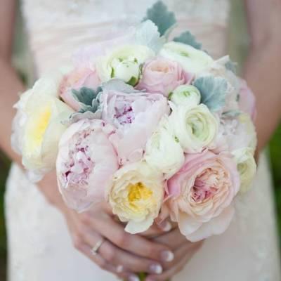 Pastel Oahu Destination Wedding {Rachel Robertson Photography}
