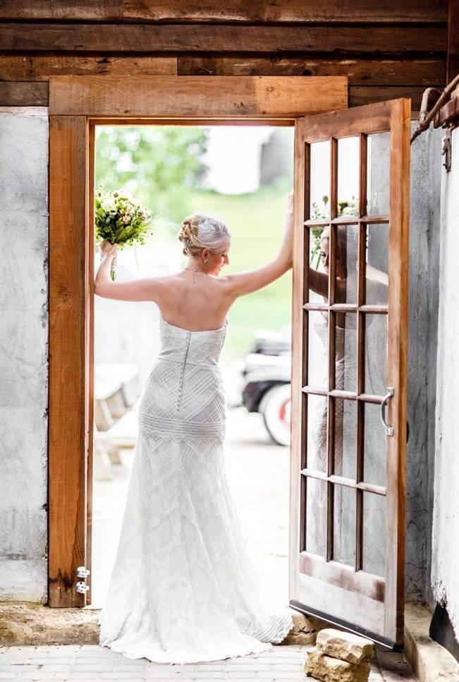 Hops Themed Wisconsin Farm Wedding {Studio Jada Photography} 7