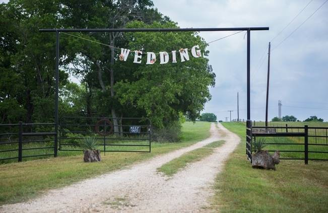 Elegant + Rustic Texas Wedding {Shelly Taylor Photography} 11