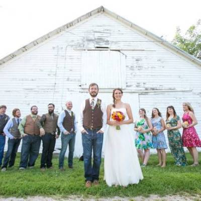 Funky & Bright Farmhouse Wedding {M and E Photo Studio}