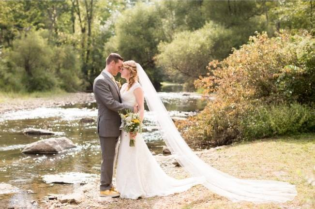 Rustic Outdoor Yellow and Grey Wedding {Idalia Photography} 20