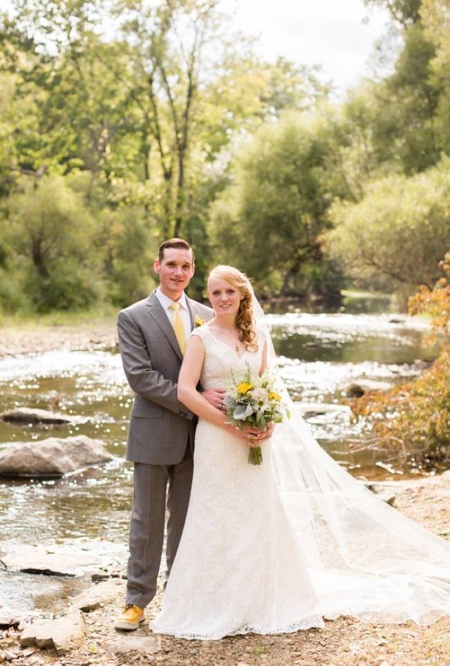 Rustic Outdoor Yellow and Grey Wedding {Idalia Photography} 21