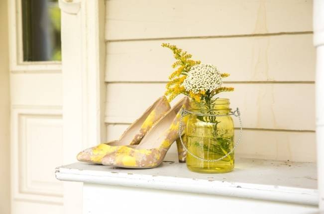 Rustic Outdoor Yellow and Grey Wedding {Idalia Photography} 3