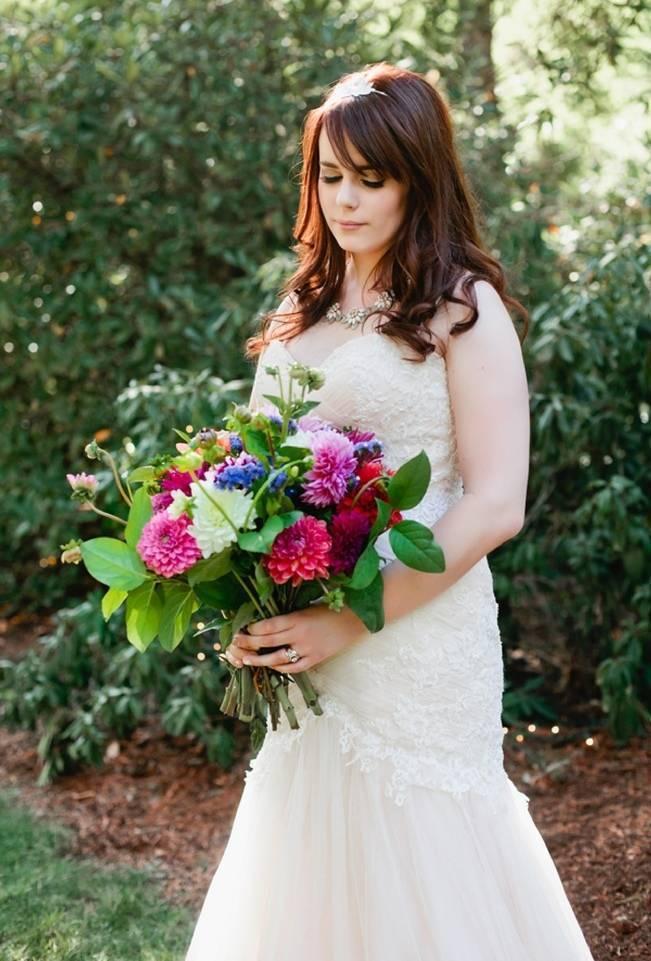 Beautiful Outdoor Oregon Wedding Reception at Ron's Pond {Kel Ward Photography} 15