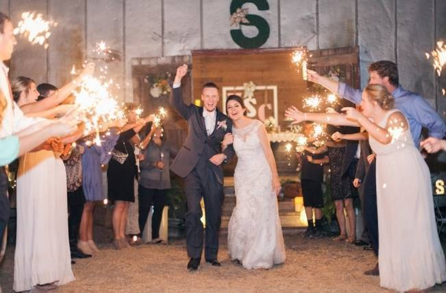 Rustic Chic Texas Barn Wedding - Stephanie Hunter Photography 25