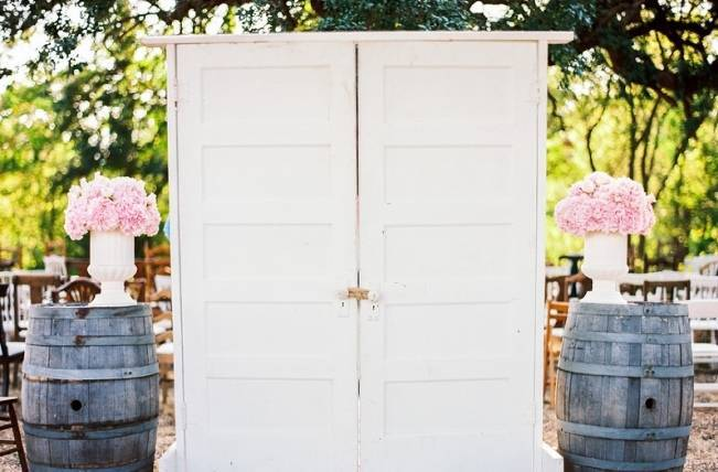 Rustic Chic Texas Barn Wedding - Stephanie Hunter Photography 9