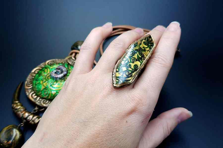 East Ethnics Jewelry Set 01