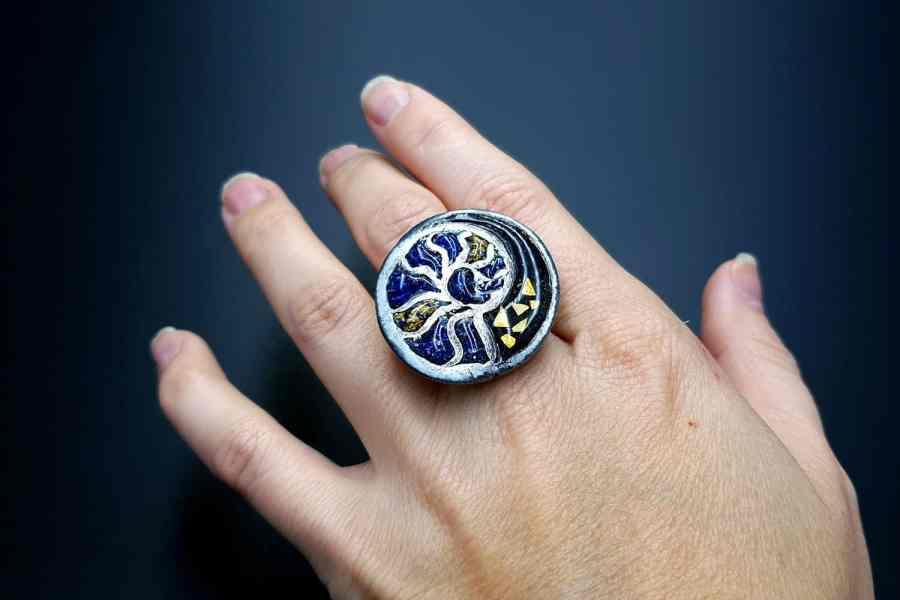 Fossilized Treasure Ring 03